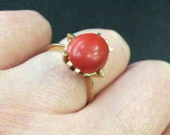 Gold coral ring ,18ct gold ,probably Italian