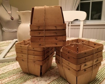 Vintage Pint Berry Baskets Lot of 12