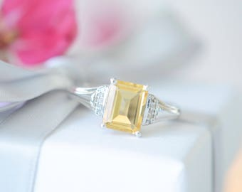 Sterling silver ring with citrine and diamonds