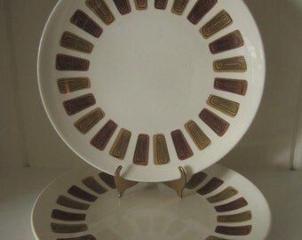 "Set of 2 Vintage Mid Century Modern Royal China Santa Fe Pattern 10"" Dinner Plates - Brown and Gold"