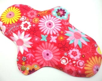 "Cloth pad heavy/night time 10.5"". Flannel,towelling,PUL. Red Floral print."