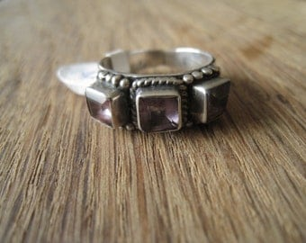 Vintage Sterling Silver Amethyst 3 Stones Braided Dotted Ring Size 8-8.25 (182)