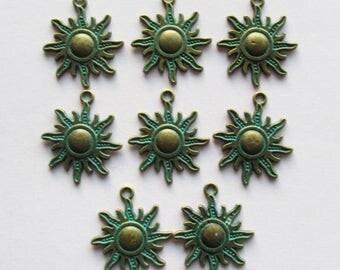 8 Antique Bronze Green Patina Sun Charms, Pendants 28mm Rustic Bohemian