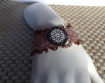 Bead and button beaded bracelet