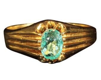 Antique Emerald Ring Belcher Set in 20k Gold, c. 1900