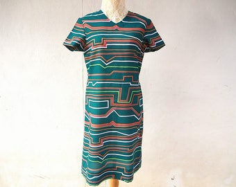 1980s vintage short sleeves V neck midi graphic dress size small to medium