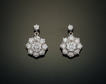 Art Deco 3.29 Ct diamond  and platinum flower cluster drop earrings