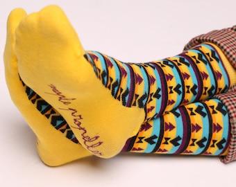 Men's colorful dress socks in yellow | Aztec design