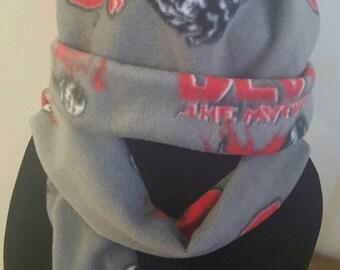 Walking Dead Bleeding Heart Winter Hat and Scarf Set