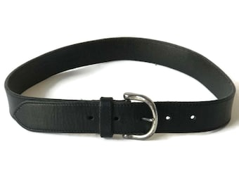 90s Women's Black Leather Belt with Silver Buckle // Size medium
