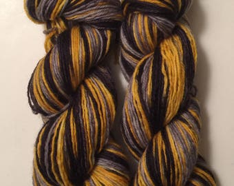 SALE ** Hand Dyed Yarn worsted weight 100% superwash merino wool | 100 gr | Hunger Games