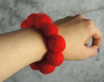 Felted bracelet, Feltmondo, Felt bracelet, Felt beads bracelet, red bracelet, Wool bracelet