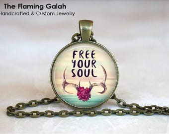 FREE YOUR SOUL Pendant • Wisdom • Freedom • Mantra • BoHo Quote • Affirmation • Gift Under 20 • Made in Australia (P1319)
