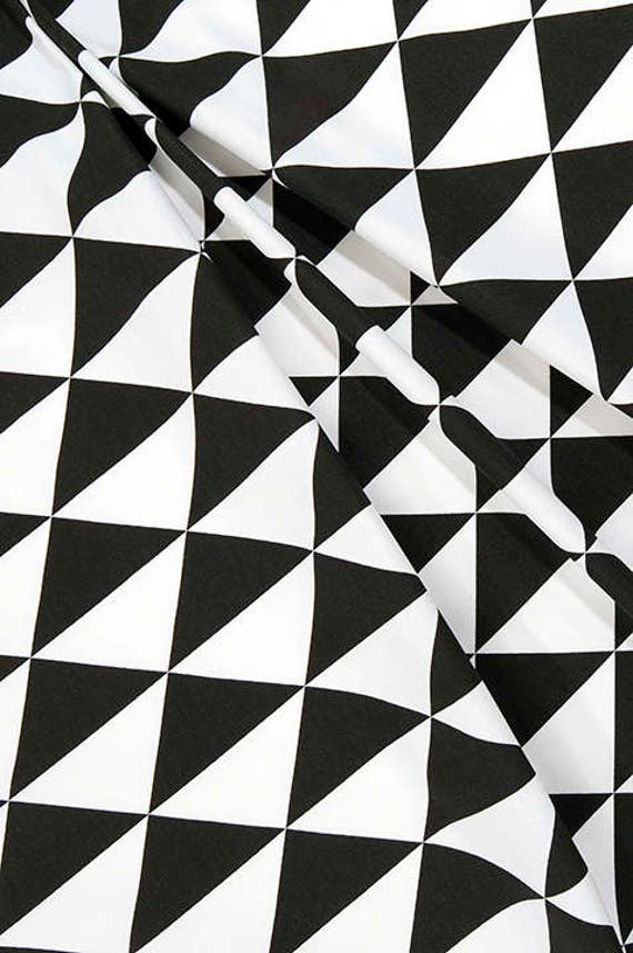 Designer Black White Geometric Fabric Cotton Home Decor Fabric By The Yard Drapery Curtain Or Upholstery Fabric Black White Fabric C225 From Cottoncircle