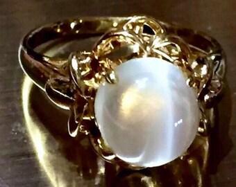 Silky natural Cats eye Moonstone Cat's eye cabochon Art Nouveau style 14k ring
