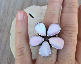 Pink flower mother of pearl sterling silver ring