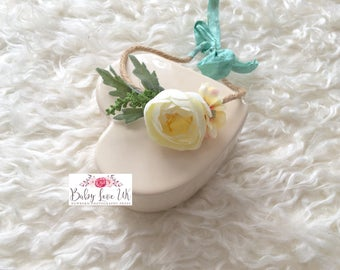 Malia Halo. Photo Prop. Newborn Halo. Newborn Tieback. Floral Tieback. Cream Flower Headband. Newborn Photo Prop. UK Seller