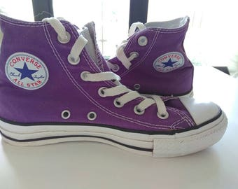 Purple all star converse / Chuck Taylor's size 4