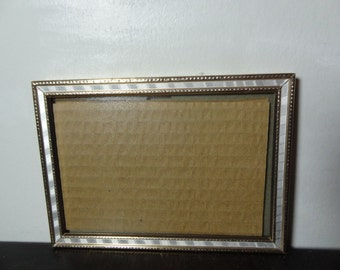 Vintage 5 x 7 Gold Tone Picture Frame with White Faux Mother of Pearl Inlay