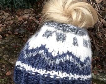 Fair Isle hat pattern/Messy bun hat pattern/Messy bun pattern/ ponytail hat pattern/messy bun knitting pattern/messy bun beanie/top knot hat