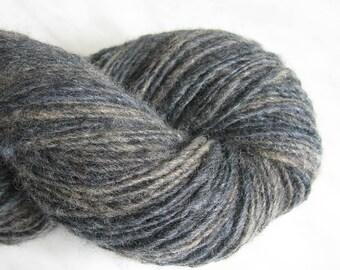 Wool knitting yarn 3 1/2 oz 192y 21 mc / 104 g 173 m gray single handspun weaving fine sport yarn