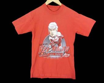 Vintage 1989 Steve Yzerman Detroit Red Wings T-Shirt - XS - NHL - 80s - Salem - 50/50 - Red Tee - Vintage Tee - Vintage Clothing -