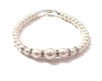 Bracelets, Ivory pearl bracelet, off white pearl bracelet, bracelet, beaded bracelet, bridesmaid bracelet, bridal bracelet