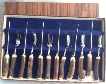 Stunning cased vintage 12 set of stag horn steak knives & forks - Abbey Horn