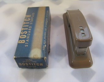 Vintage Used swingline stapler  77 with bostich standard staples Working condition