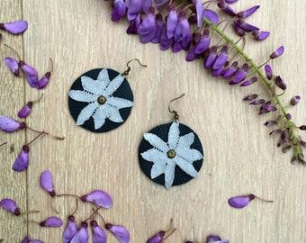"""Black & Silver leather and lace Earrings """"Daisy"""" - boho earrings - chandelier earrings - unique jewelry"""