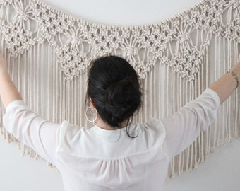 Macrame Wall Hanging, Wallbanner, Nursery decor, Backdrop Wedding, first birthday, home decor, wallhanging, model BELLA