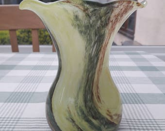 Alum Bay Isle of Wight Studio Glass Swirl Vase with Fluted Rim, Sticker, 16cm tall