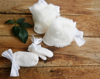 White Boutique winter baby set, inspired by Gucci, luxury fluffy baby boots, white baby booties, first baby shoes, knitted baby clothes