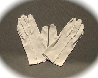 Women's Off-White Gloves, Button & Slit Accent, Mid Century Modern Wedding Bridal Summer Retro Accent, Victorian Edwardian Fashion Accessory