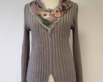 Special price, grey linen sweater with tulle and felted decoration, L size.