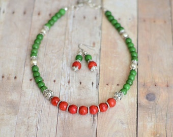 Gemstone Necklace - Beaded necklace - Anniversary gift - Gifts for her birthday under 25 - Indian Jewelry - Green Magnesite & Coral Necklace