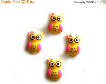 HALF PRICE 4 Extra Large Yellow Owl Flatbacks - Resin Cabochons
