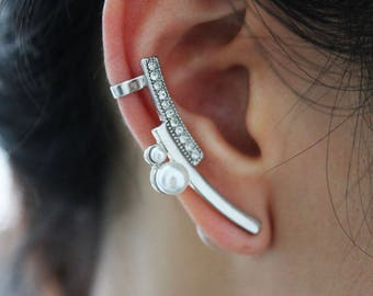 Synchronize pearl ear cuff, edgy pearl ear climber, modern ear cuff, modern ear climber, ear cuff gift, gift for mom, gift for her