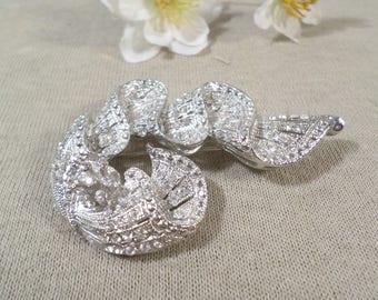 Beautiful Vintage Silver Tone Marcasite And Diamente Crystal Rhinestone Folded Brooch  DL#2702