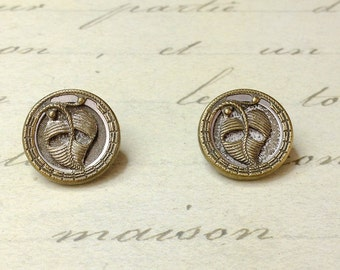 2 Small Antique Metal Picture Leaf Buttons 14 mm