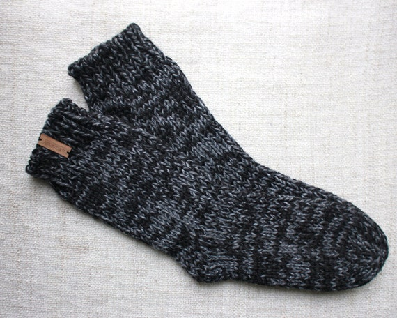 Christmas gifts for vegans: Chunky knit socks