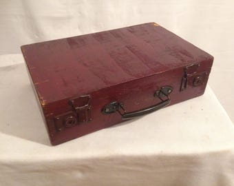 Old suitcase travel trunk wood Bordeaux year 1950 Vintage
