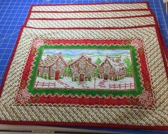 Quilted Christmas Gingerbread Placemats (4)