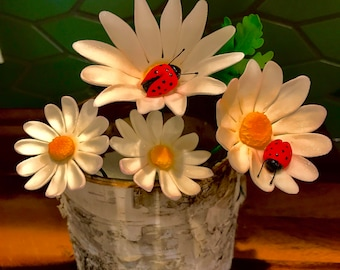 Sugar flowers cake topper - daisies, ladybugs, and leafs