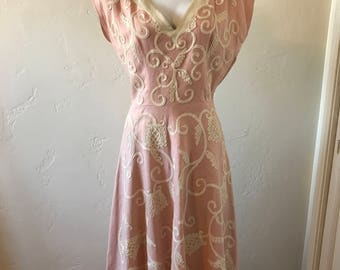 Pink & Off-White Embroidered 40s Dress