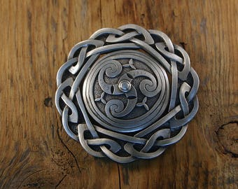 Classic Celtic Brooch, Large
