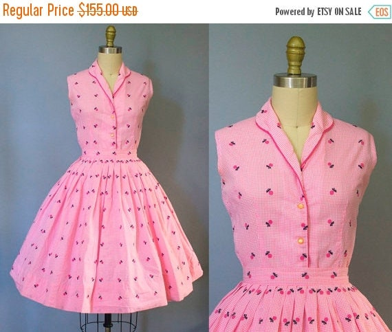 SALE 15% STOREWIDE 1950s pink cherry print dress/ 50s gingham fruit apple print skirt set/ extra small xs