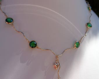 Gold Collier, 585 gold filled, with cubic zirconia in green!