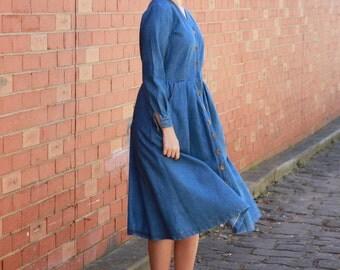 Vintage 1970s Denim Dress / Blue Denim Dress / 1970s Dress/ Orange Stitching / Brass Buttons / Full Skirt / S/M