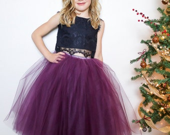 Plum: tulle skirt with black lace crop top